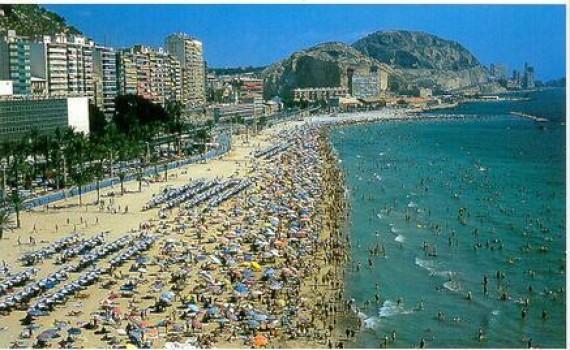 Alicante y su playa del Postiguet